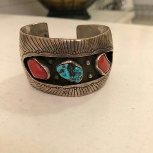 Jewelry - Vintage Navajo Turquoise and Coral Bracelet